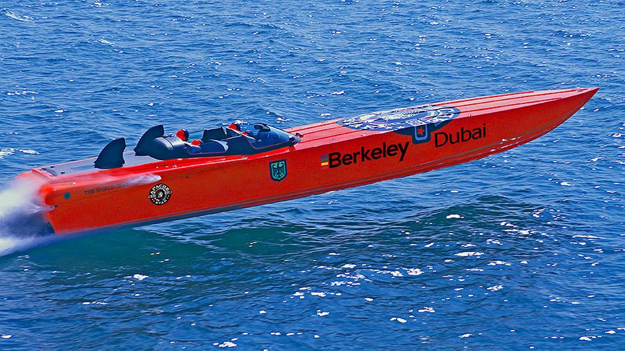 Apache-Speedboat-BERKELEY-Brand-rechts