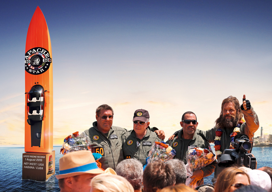 RK-Team-vor-Powerboat-Denkmal